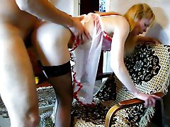 Blond naine kodus porno video