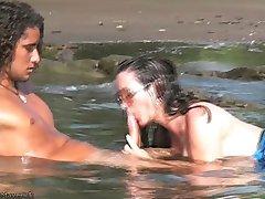 Nikki Fritz Hardcore BJ & Sexo na praia de Costa Rica