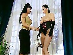 Sexy orgia con vasca Karma Rosenberg