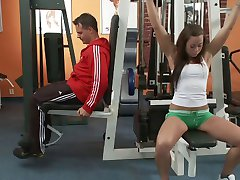 Personal trainer fucks brunette