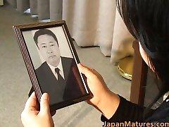 Japonski mature pišče je vroč seks