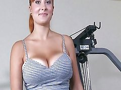 Busty ryšavka tom sport