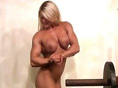 - Пелада Musculosa com klitorisa Grande