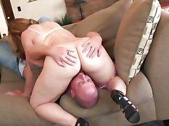 Teen figa riempita con il cazzo Paffuto Leenuh Rae ottiene alcuni sexercising fatto