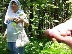 dobra babica v gozdu