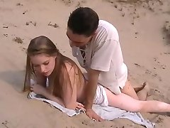 Amatöör anal sex on the beach
