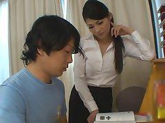 Мальчик получает больше, чем справка для учебы с горячим учителем девушка
