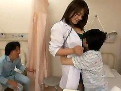 L'infermiera e i cattivi bellezze