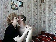 Ruski gospodinja z livecam