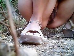 Meitenes Pissing voyeur video 169