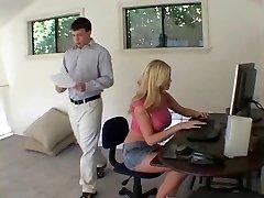 blondīne sekretārs