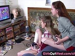 Dekleta Iz Zahoda, Lezbijke, bejbe z kosmat in okrašene cunts