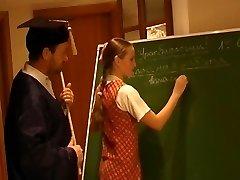 Russische Schoolmeisje Nellie 2