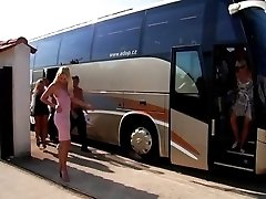 Kurba Bus - končni sex party - del I
