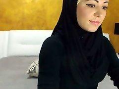 Потрясающий арабский красотка кончает на камеру
