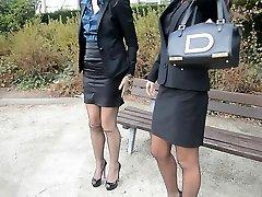 2 tenåring sexy sekretærer i vintage strømper & amp; amp garterbelt