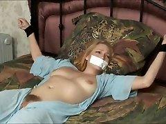 bondage bejbe 1 2