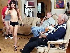 Gigi Flamez i Sally šprica - plavu tabletu muškarci