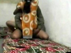 הפקיסטני זוג נתפס מזדיין
