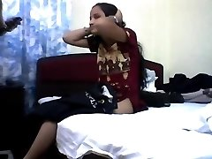 Youthful indian teen loosing her virginity
