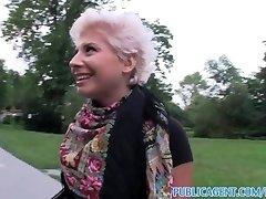 सरकारी एजेंट सुनहरे बालों वाली लेस्बियन सीखता कैसे चूसना करने के लिए एक बड़ा डिक पर