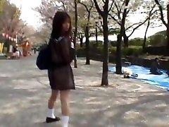 Mikan Geweldige Aziatische schoolmeisje geniet van part1