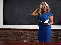 קלי או המורה milf