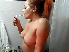 red head milf inventează