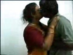 Tamil bhabhi težko sranje
