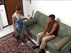 इतालवी पत्नी एक गर्म त्रिगुट में... F70