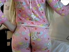 Blondīne PAWG big butt ass saspringts leggins