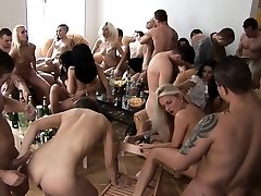 बड़े स्तन गोरा सह में कवर की पार्टी