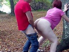 PAWG tener sexo en el bosque