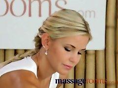 Salas de masaje Madura y tetona adolescente obtiene su coño apretado abrió lesbiana 69
