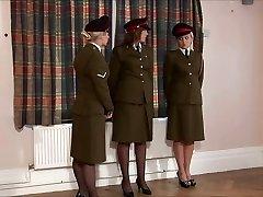 punito militare ragazza