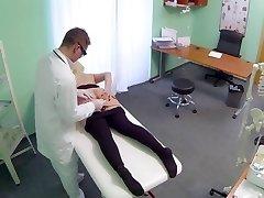 BBW nymph splashes 9 times during examination Hospital eng sub