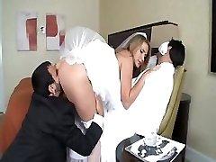 Alanah Rae è un caldo da sposa che ottiene un grande cazzo per il suo piacere