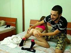 Ragazza di 18 anni ottiene la sua figa mangiato dal suo fidanzato