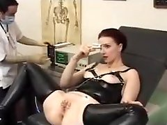 Doctor opens up her cock-squeezing Ass -ElectroSex and Pierced Pussy
