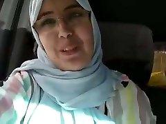 Hijab mom rump dounia blemasass