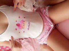 Super cute college teen likes webcam her pink cake fuckbox to u
