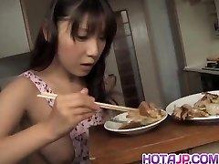 Momo Аидзава je čisto obrijan dork lizali i трахнул