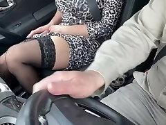 Come ti  seduco il capo durante una trasferta di lavoro e gli faccio un pompino
