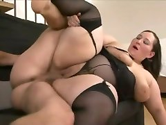 Fat babe getting laid
