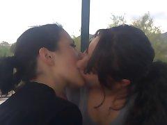 Lezbijskog poljupca - 4