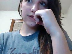 vrlo lijepa djevojka pokazati пмсо na web kameru