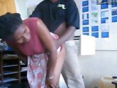 Smjesu miješati zrele žene u PNG i prokleto sisa