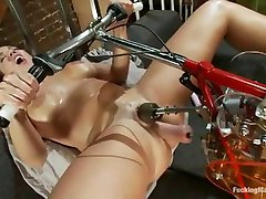 Fucking Machines  - Kelly Divine