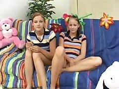 Dvije adolescenata Teen Zaraditi Bonus