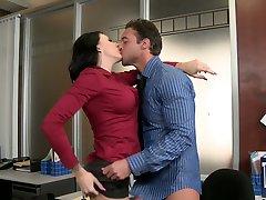 Curvy brunette secretary Juelz Ventura blows her chief's huge cock